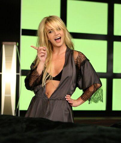 File:Britney spears womanizer.jpg