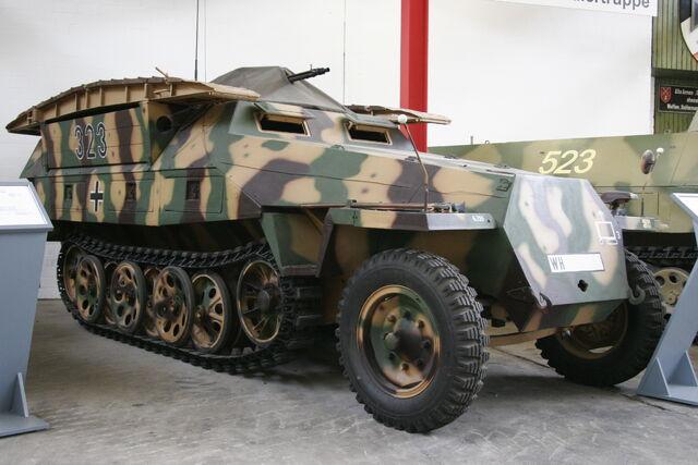 File:SdKfz 251.jpg