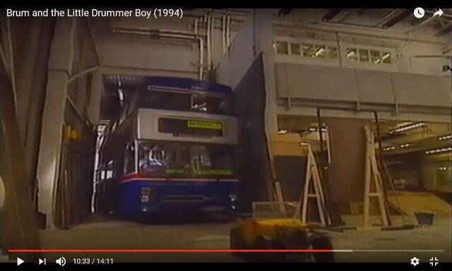 File:Brum and the bus.JPG