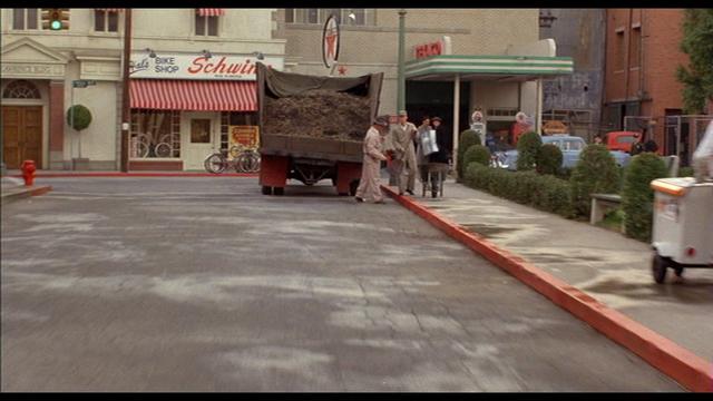 File:Hal's Bike Shop.png