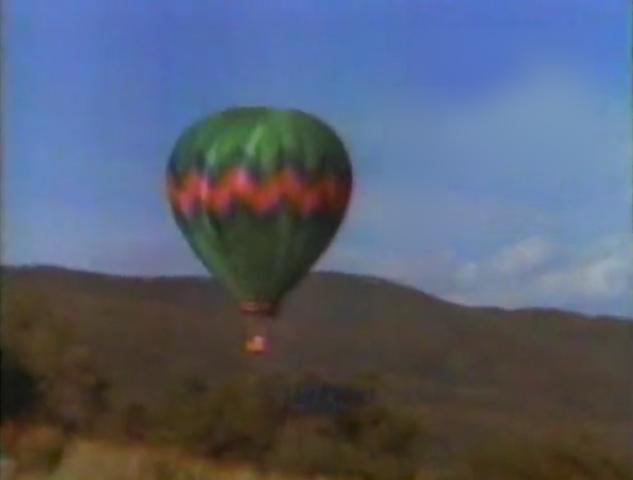 File:Hot air balloon.png