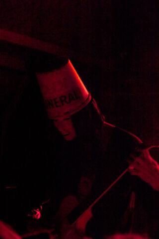 File:Buckethead live (red)-259.jpg