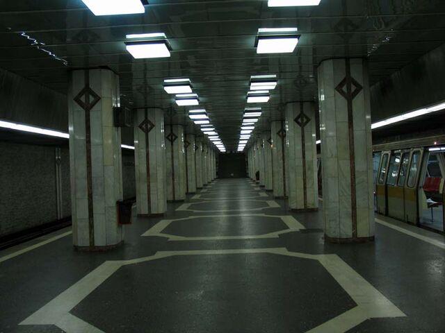 Fișier:Metrou Preciziei.jpg