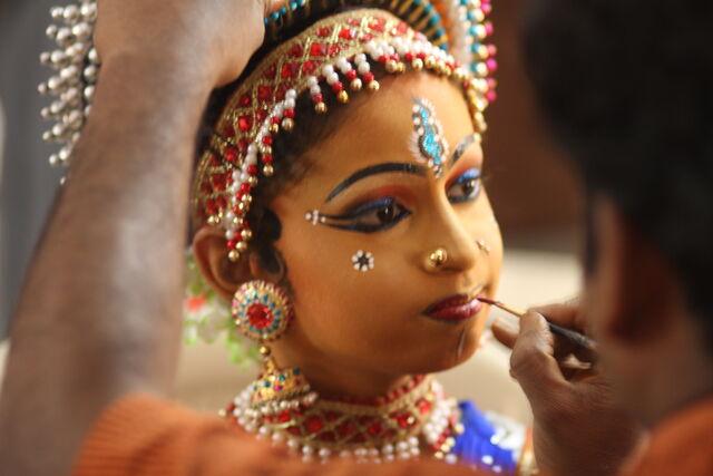 File:D-makeup-anjala.jpg