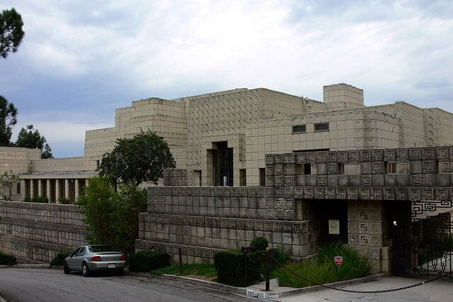 File:800px-Ennis House front view 2005.jpg
