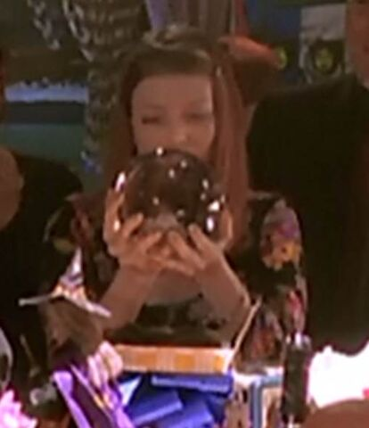 File:Tara crystal ball.jpg