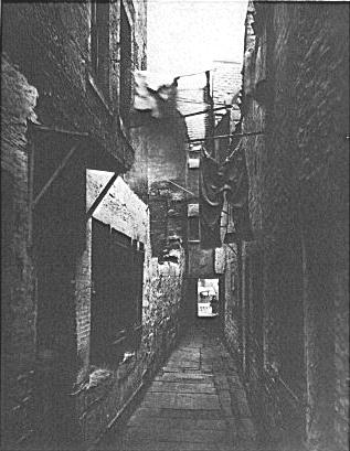 檔案:Glasgow-slum.png