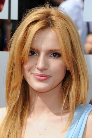 File:Bella Thorne9.jpg