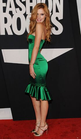 File:Bella Thorne20.jpg
