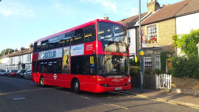 File:London Bus Route 391.jpg