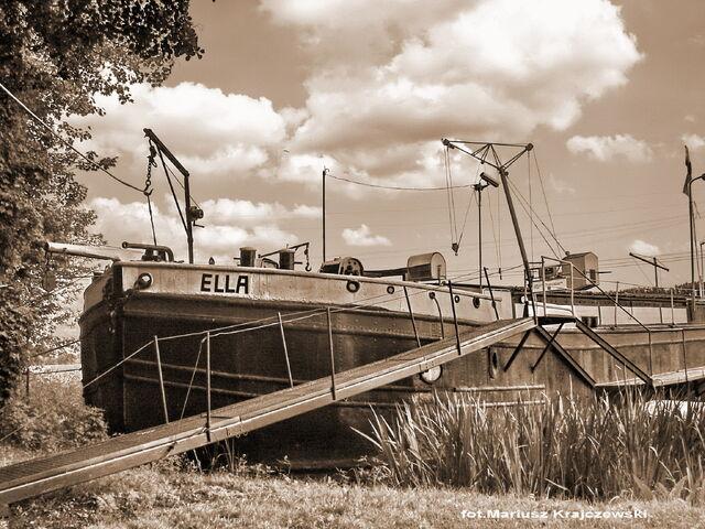 Plik:Barka ELLA (sepi).jpg