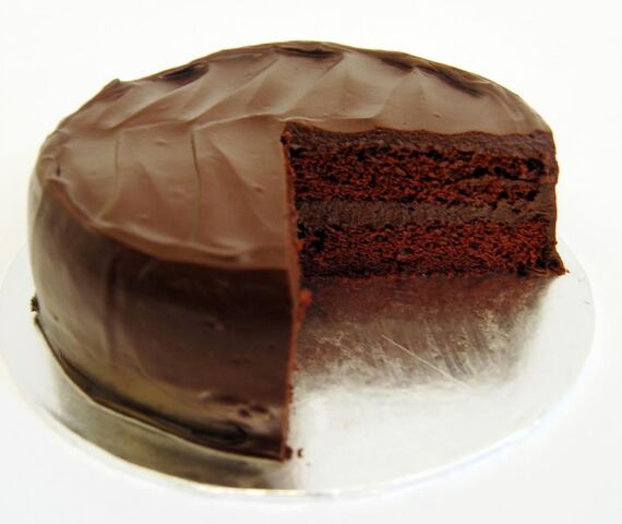 File:Chocolate-cake-sliced.jpg