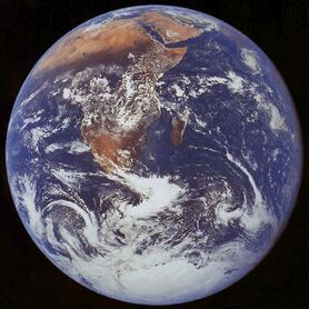 Apollo17 earth-1-