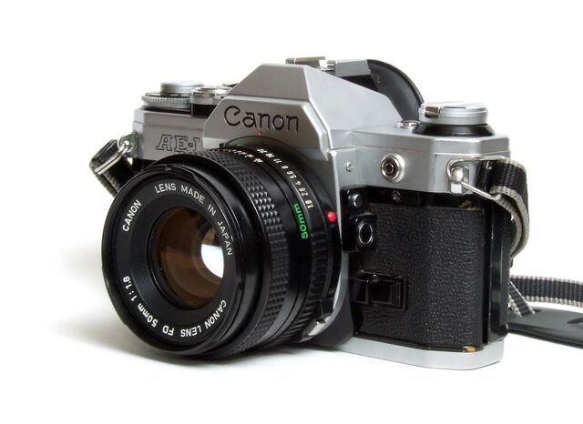 File:Canon AE-1 02.jpg
