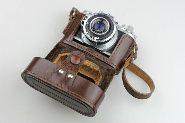 File:Photavit III Schneider Xenar f3,5-37,5mm Compur Rapid 03.jpg