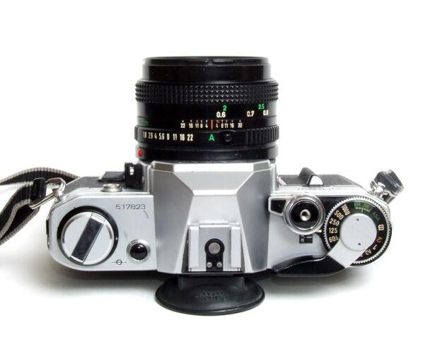 File:Canon AE-1 05.jpg