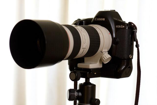 File:Canon EOS-1n.jpg