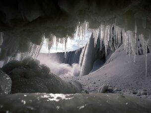 Ice, mictlan's cave in winter