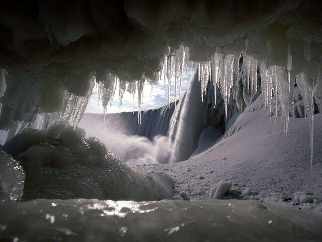 File:Ice, mictlan's cave in winter.jpg