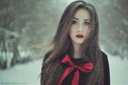 Portrait,bow,girl,red,lipstick,snow,lost-0225d8a447617516dbb0f42e29fae92e h
