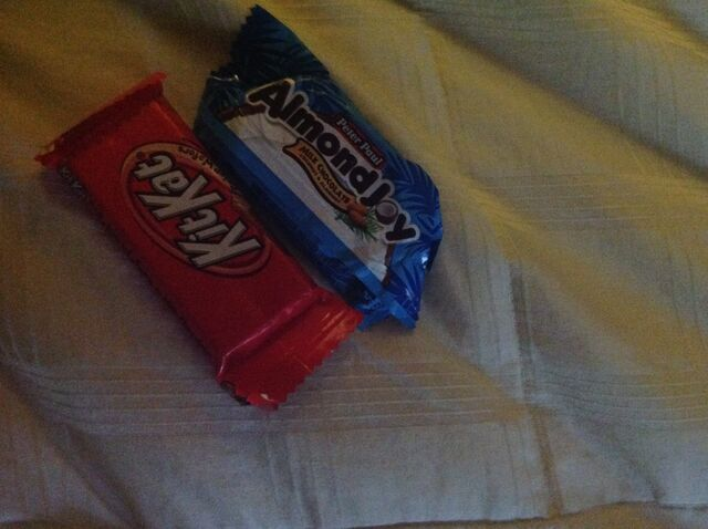 File:Kit kat and almond joy.jpeg
