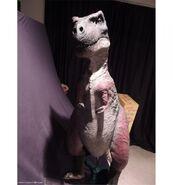 Carnosaur-4-T-Rex-static-puppet-John-Buechler-1