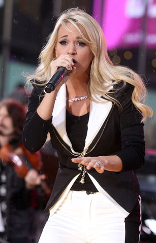 File:Carrie+Underwood+Performs+Good+Morning+America+Bjqp-i4Rzpol.jpg