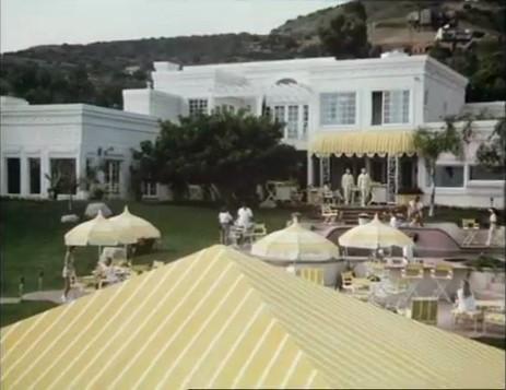 File:Alta Mar Beach Club.jpg