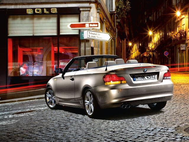 File:BMW 1series convertible wallpaper 06-1-.jpg
