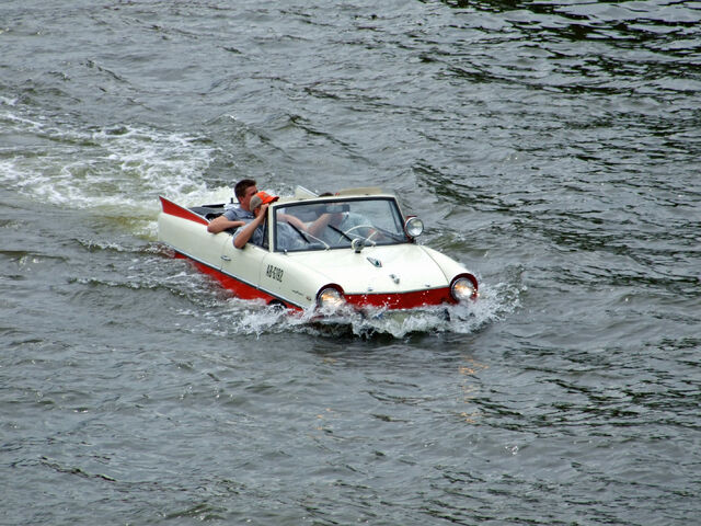 File:Amphicar-main-ffm001-1-.jpg