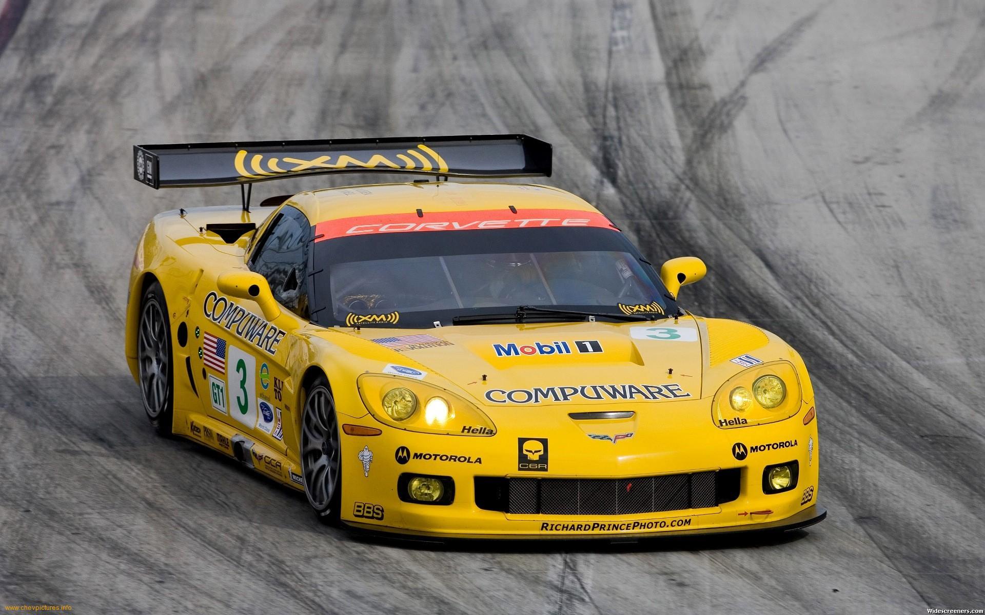 Chevrolet-Corvette-C6R-1-1-