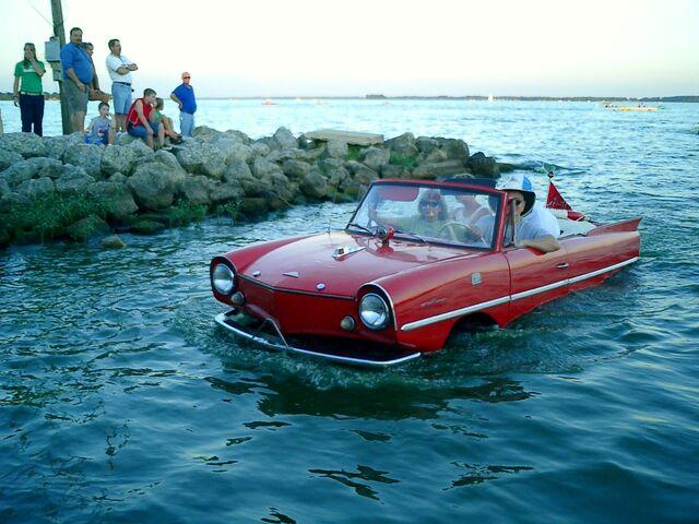 File:Amphicar red-1-.jpg