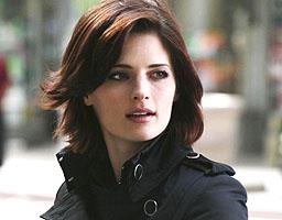 File:Kate Beckett detective.jpg
