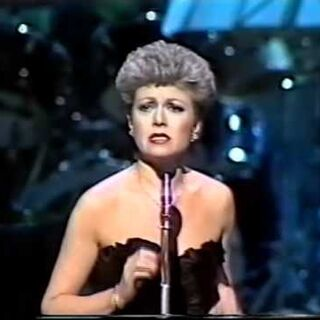 Elaine singing Memory at the 1981 Royal Variety Performance