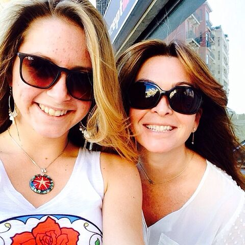 File:Suzi Perry and daughter 2014.jpg
