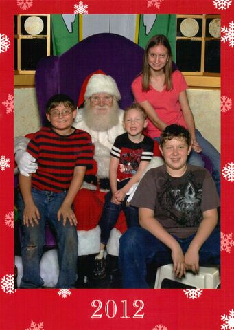 File:Christmas kids.jpg