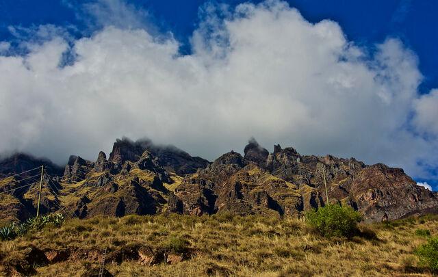 File:Pachatusan-cusco.jpg