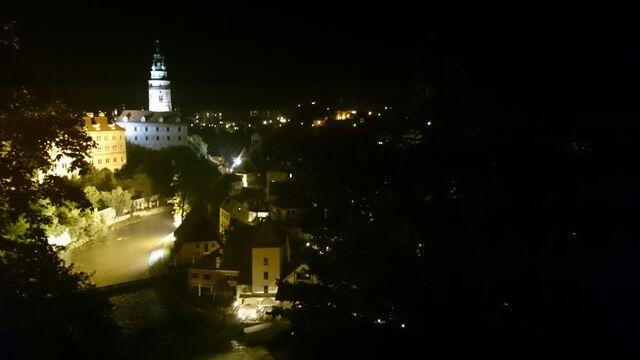 File:Český Krumlov nachts.jpg