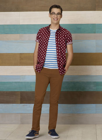 File:Joey Season 4 Promotional Photo.jpg