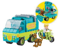 Mystery Machine Playset-promo