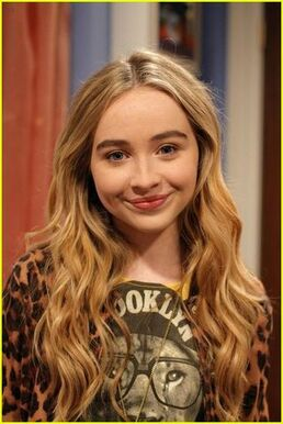 Maya-Hart-GMW-girl-meets-world-37395882-468-700