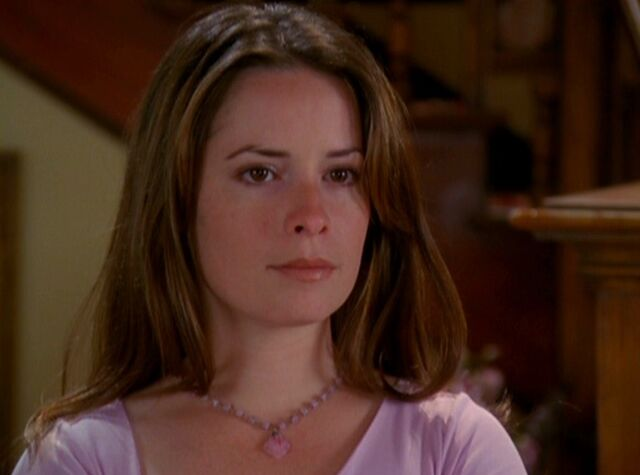 File:Piper Halliwell-Manor01.jpg