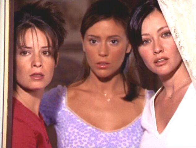 Фајл:2x02-Sisters.jpg