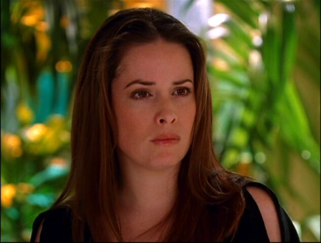 Fichier:Piper-Halliwell-Forever-Charmed-piper-halliwell-16094355-1056-800.jpg
