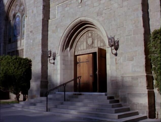 File:Church-primrose-empath.jpg