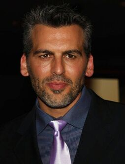 Oded Fehr-DGG-016694
