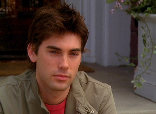 File:Chris 5x23-15.jpg