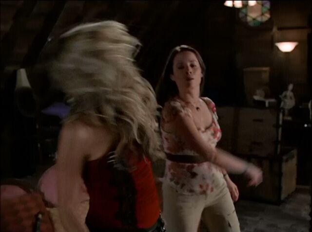 File:Piper punches mabel.jpg