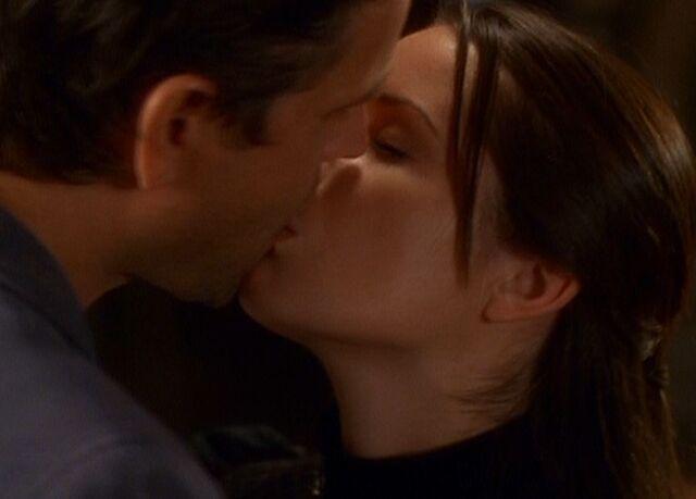 File:Piper and mordaunt kiss.JPG