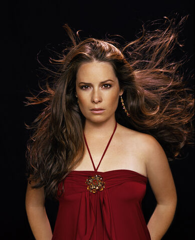 File:Holly-marie-combs.jpg